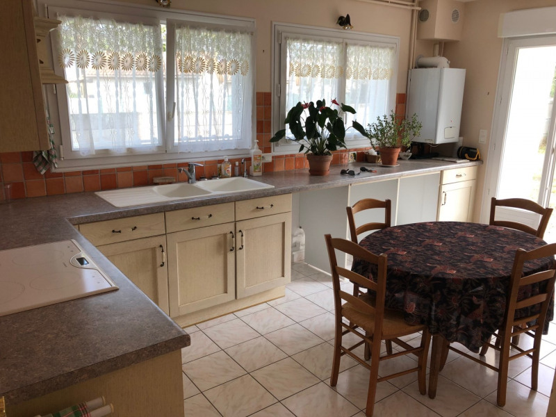 Sale house / villa Saint georges de didonne 329 000€ - Picture 4