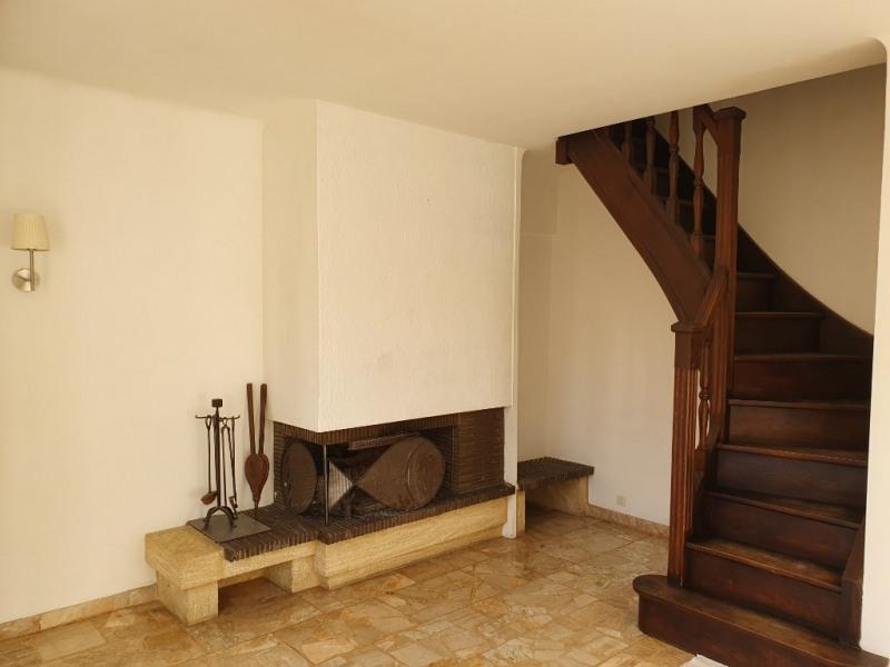 Location maison / villa Meyrargues 1250€ CC - Photo 9