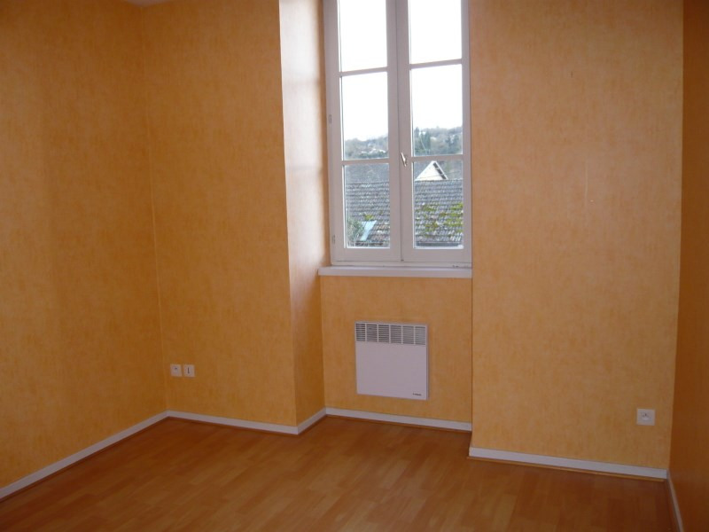 Location appartement Cremieu 495€ CC - Photo 3