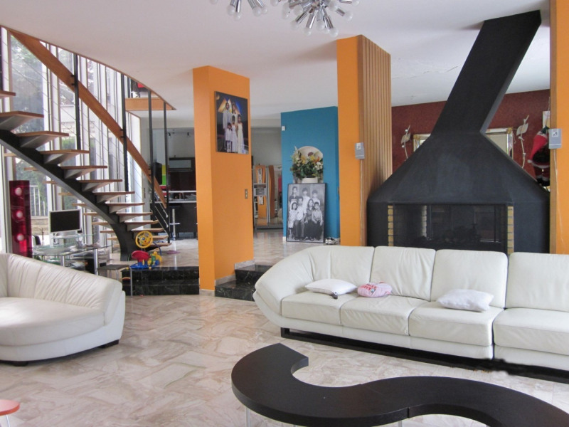 Sale house / villa Villemomble 750000€ - Picture 1