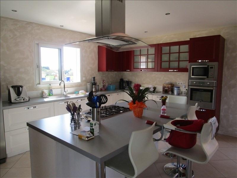 Sale house / villa St front de pradoux 210000€ - Picture 3