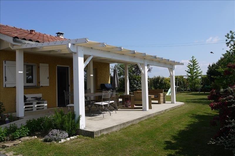 Sale house / villa Montseveroux 239 900€ - Picture 1