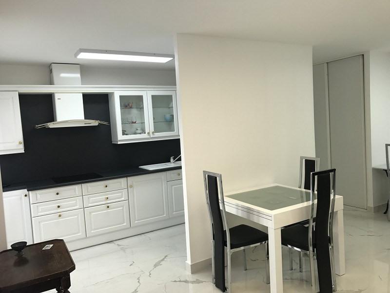 Location appartement Paris 20ème 1290€ CC - Photo 1