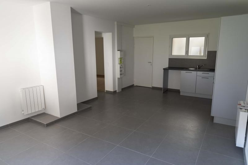 Location appartement Nantua 491€ CC - Photo 3