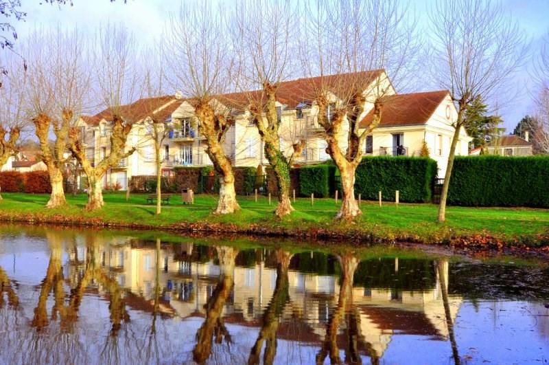 Sale apartment Forges les bains 219000€ - Picture 1