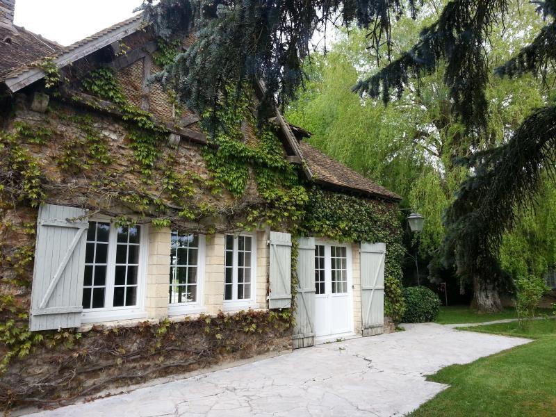 Sale house / villa Longnes 392000€ - Picture 2