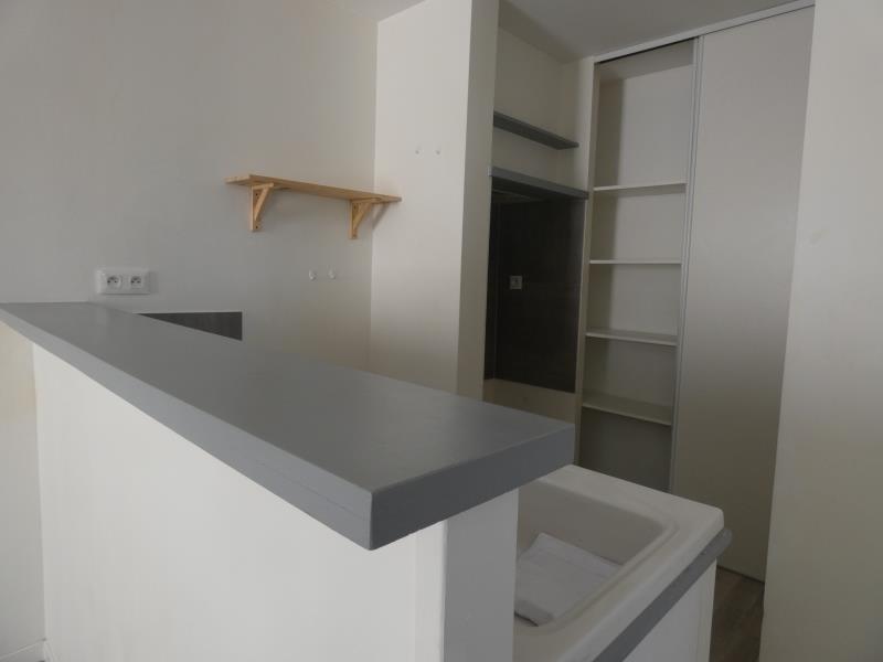 Location appartement Le teil 390€ CC - Photo 3