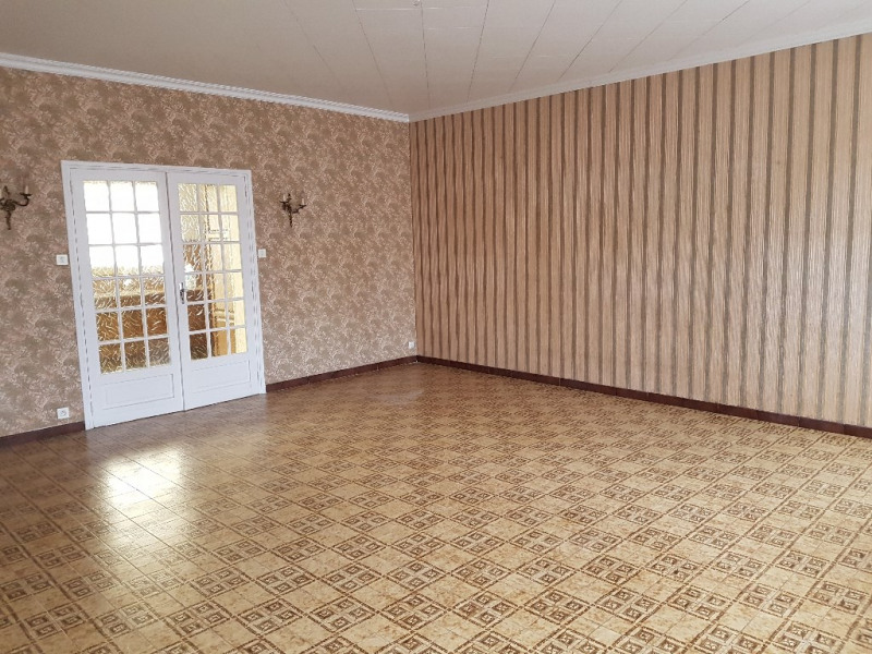 Location maison / villa Fontaine au pire 658€ CC - Photo 2