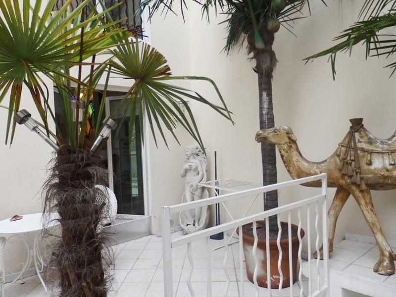 Vente de prestige loft/atelier/surface Paris 10ème 1790000€ - Photo 2