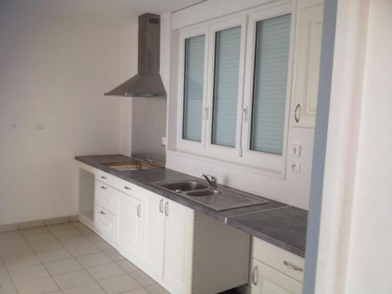 Location maison / villa Saint omer 685€ CC - Photo 2