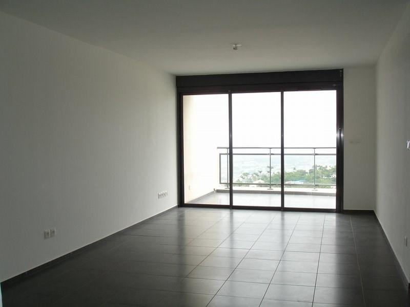 Location appartement St denis 833€ CC - Photo 1
