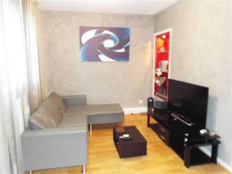 Sale apartment Ste genevieve des bois 196 000€ - Picture 2