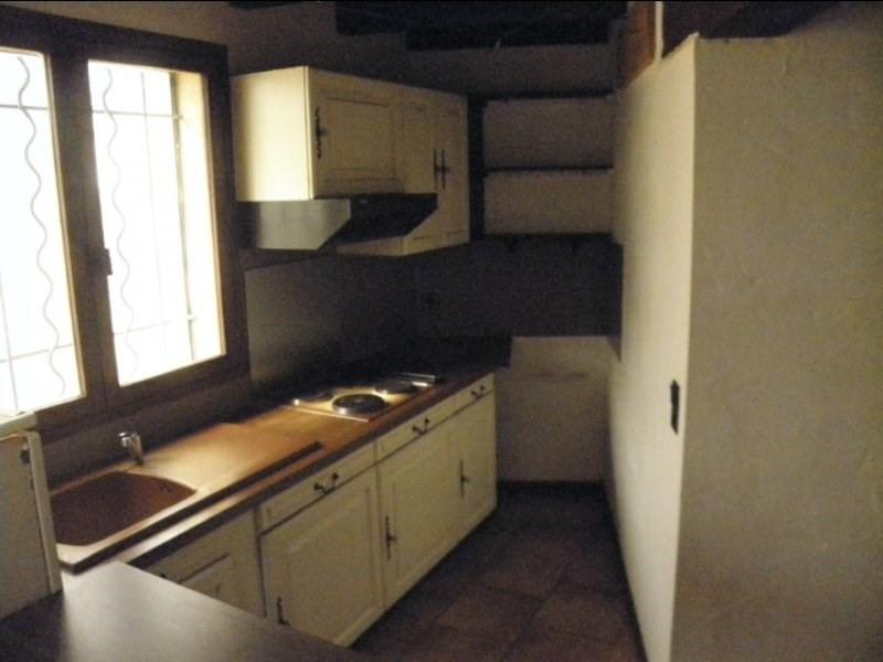Rental house / villa Fontvieille 750€ CC - Picture 2