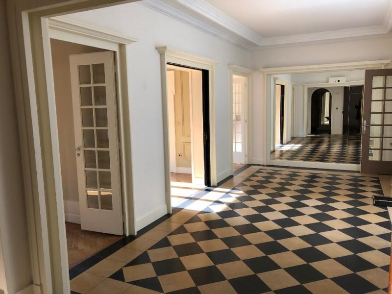 Rental apartment Lyon 3ème 2999€ CC - Picture 3