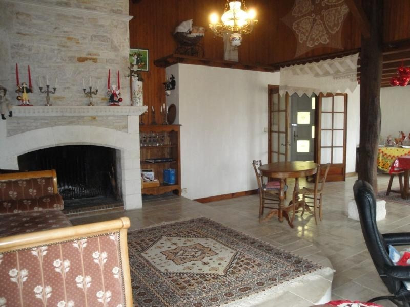 Sale house / villa Chef boutonne 210 000€ - Picture 5