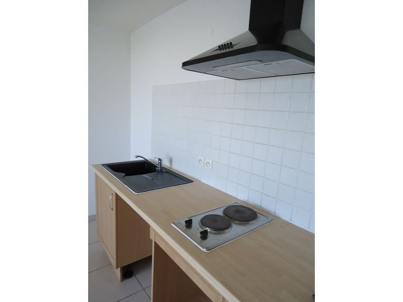 Location appartement St denis 537€ CC - Photo 2