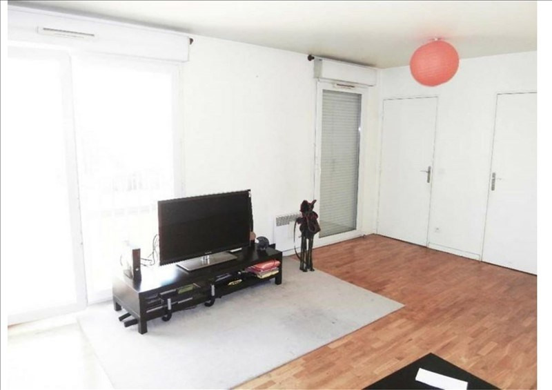 Sale apartment La plaine st denis 160 000€ - Picture 1