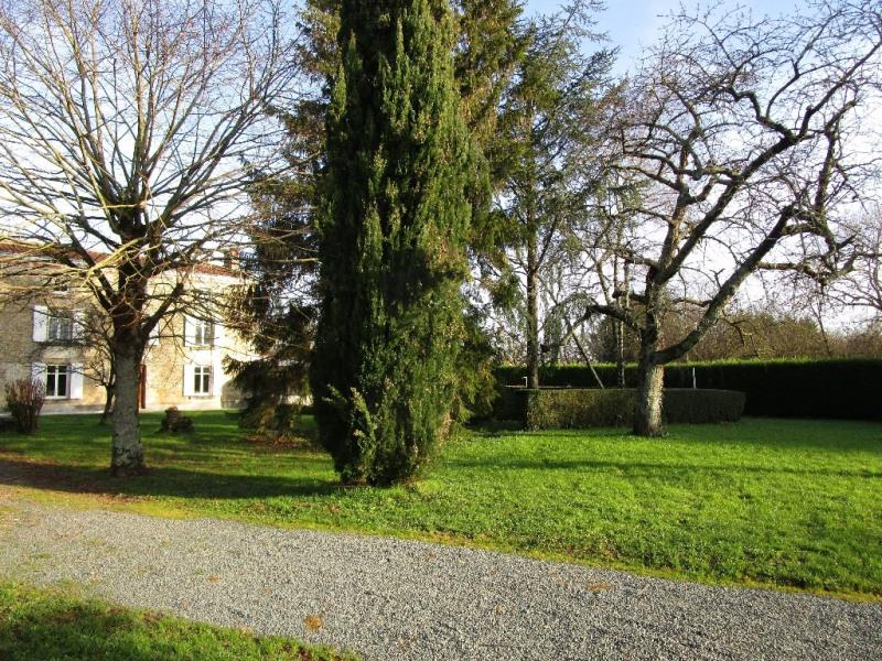 Sale house / villa Azay le brule 218900€ - Picture 2