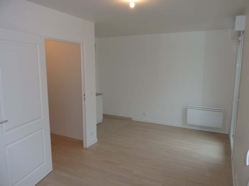 Location appartement Courbevoie 768€ CC - Photo 3