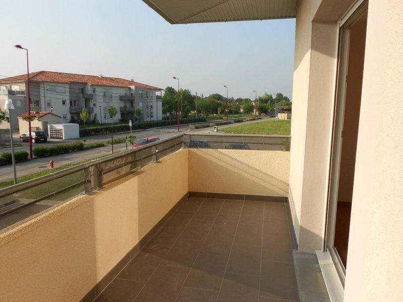 Rental apartment Frouzins 665€ CC - Picture 1