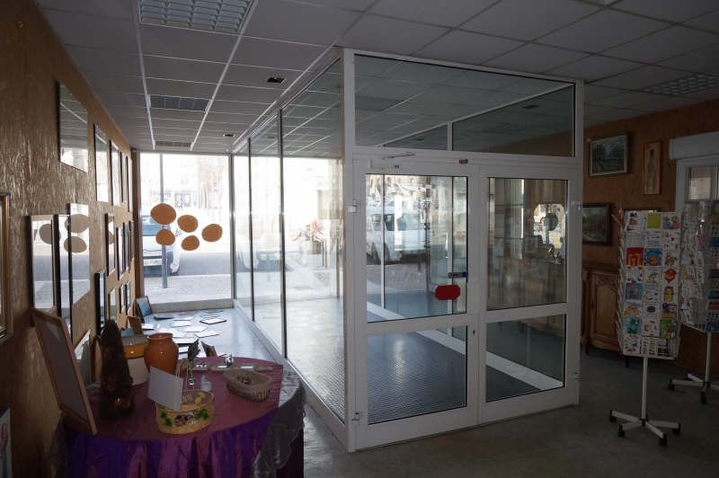 Vente local commercial Beaurepaire 158 000€ - Photo 3