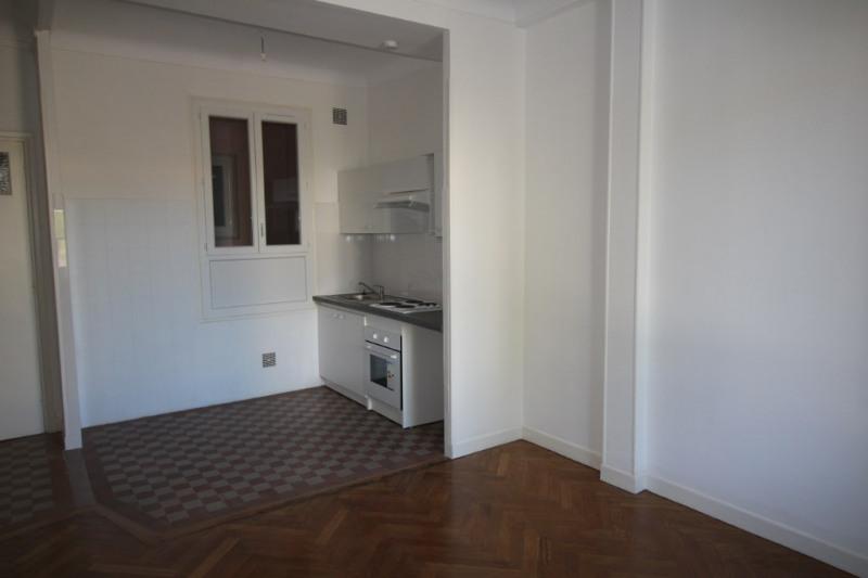 Rental apartment Nice 700€ CC - Picture 1