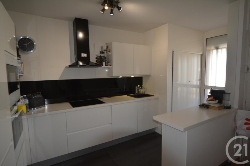 Sale apartment Antibes 264 000€ - Picture 3