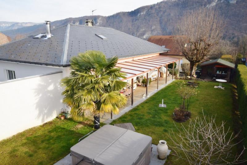 Deluxe sale house / villa Seynod 720000€ - Picture 1