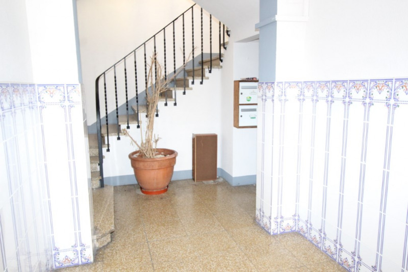 Rental office Port vendres 300€ HC - Picture 1