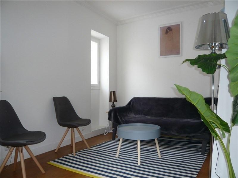 Rental apartment Paris 7ème 1300€ CC - Picture 1