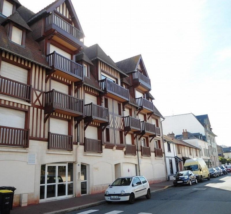 Verkoop  appartement Deauville 275000€ - Foto 1