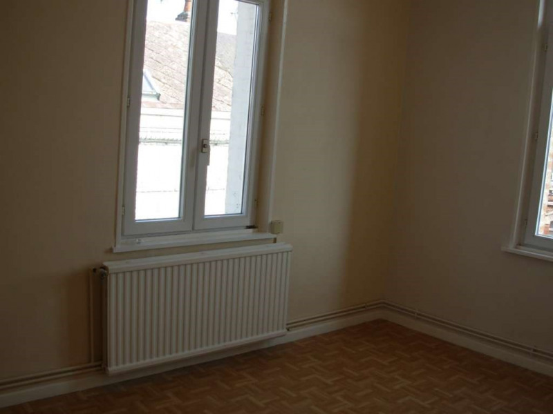 Location appartement Saint quentin 390€ CC - Photo 3