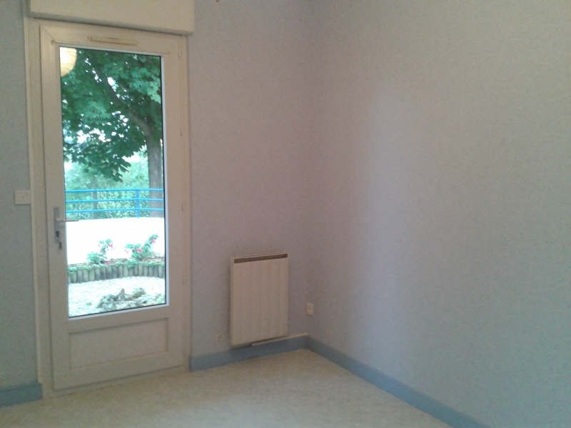 Location appartement Niort 529€ CC - Photo 3