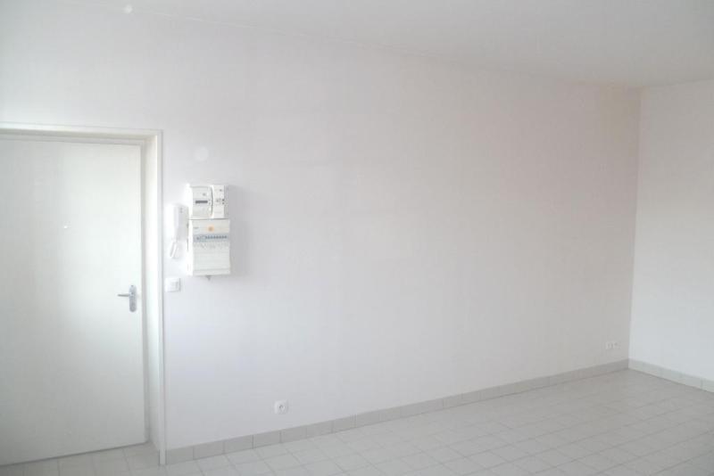 Location appartement Aire sur la lys 437€ CC - Photo 4