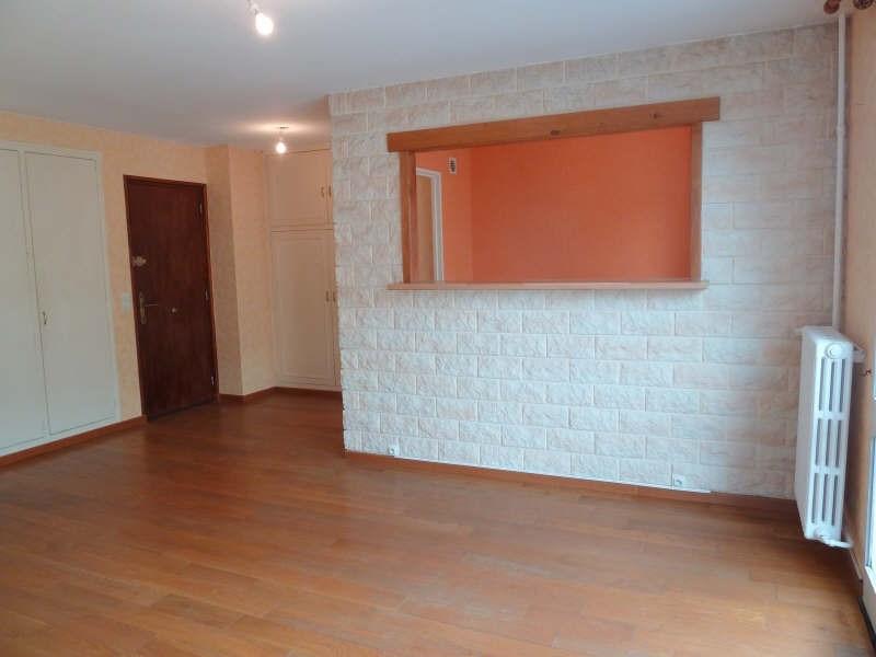 Rental apartment Conflans ste honorine 948€ CC - Picture 2