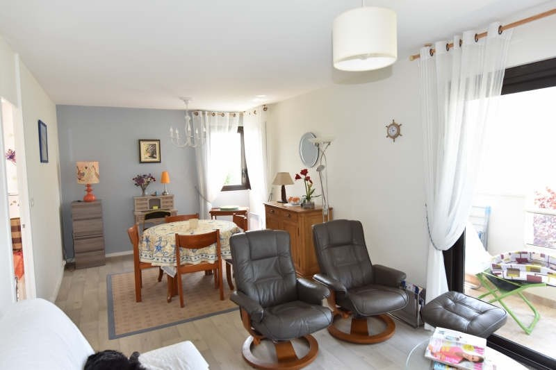 Sale apartment Royan 237 500€ - Picture 1