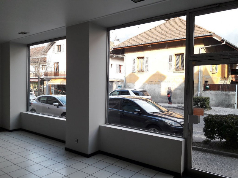 Location boutique Sallanches 1 870€ CC - Photo 2