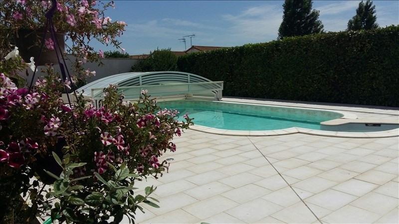 Sale house / villa Aiffres 301900€ - Picture 1