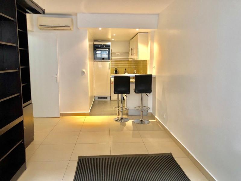 Rental apartment Paris 8ème 1650€ CC - Picture 3