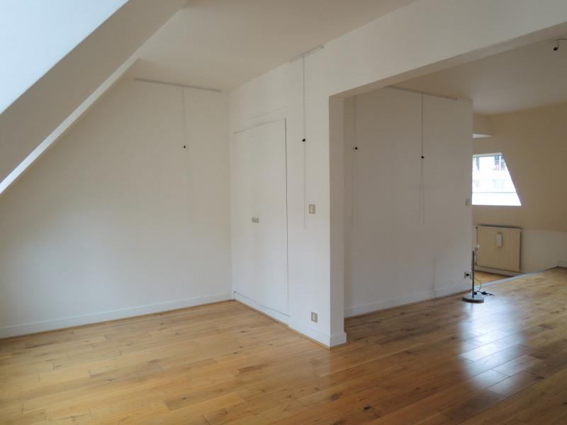 Location appartement Paris 3ème 2731,70€ CC - Photo 7