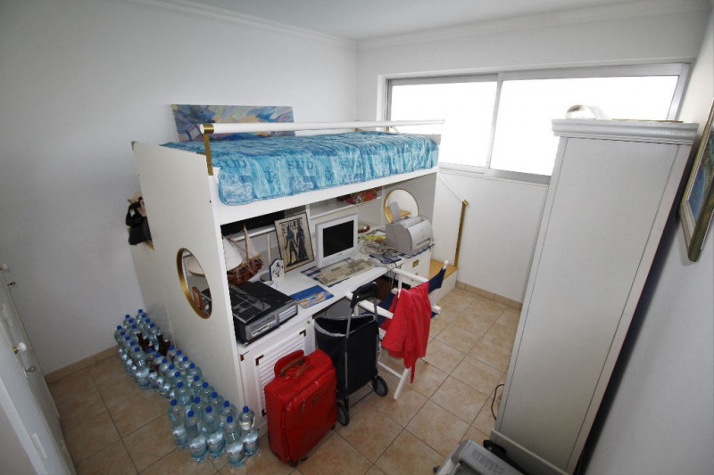 Deluxe sale apartment Villeneuve loubet 975 000€ - Picture 4