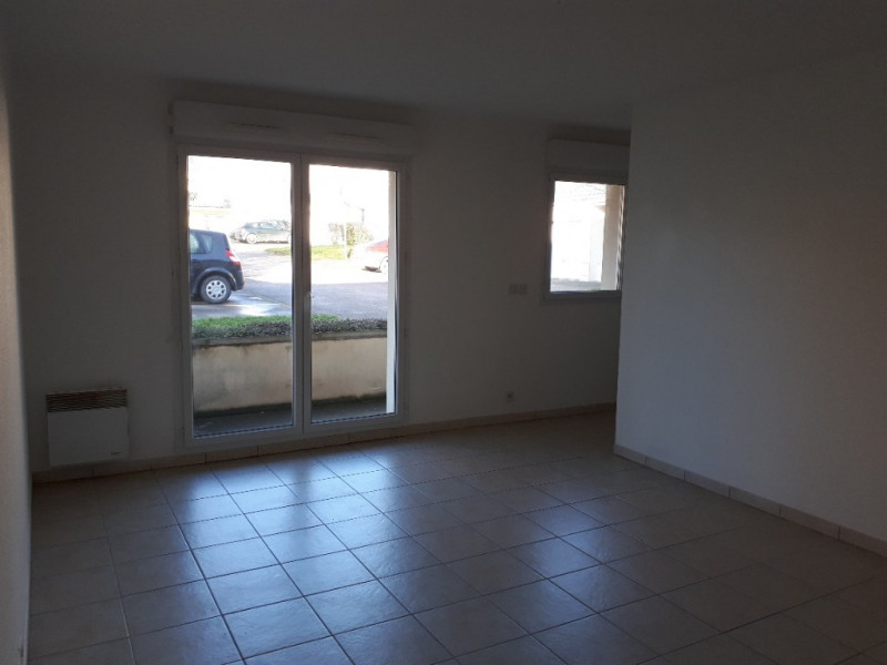 Location appartement Lehaucourt 420€ CC - Photo 3