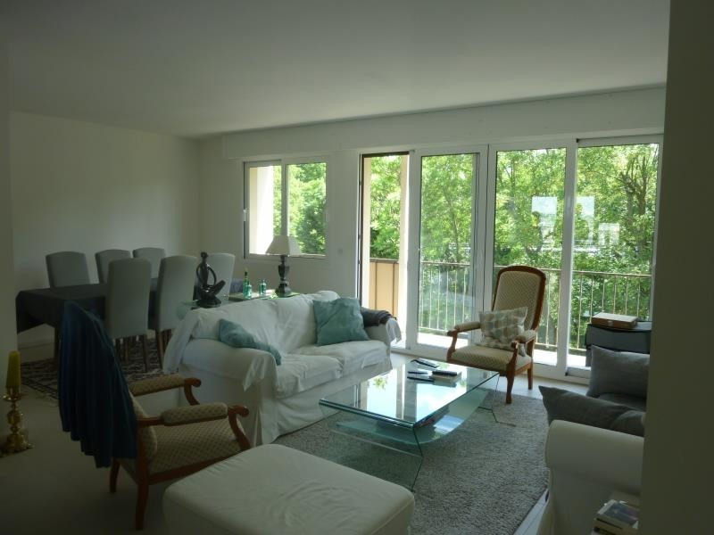 Sale apartment Poissy 295000€ - Picture 1