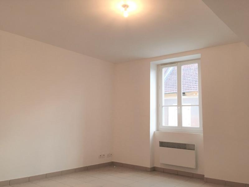 Location appartement Pierrelaye 850€ CC - Photo 2