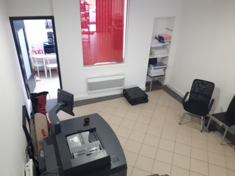 Rental empty room/storage Saint omer 795€ CC - Picture 3