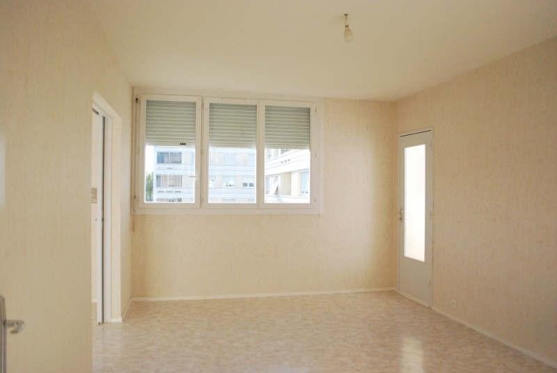 Rental apartment Carbon blanc 731€ CC - Picture 2