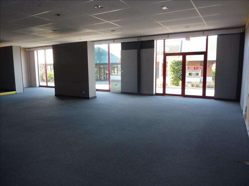 Rental empty room/storage Fougeres 1778€ HT/HC - Picture 2