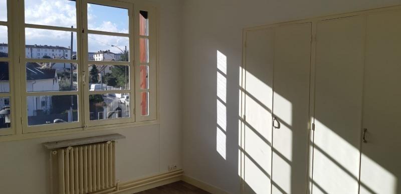 Rental apartment Rueil malmaison 1090€ CC - Picture 2