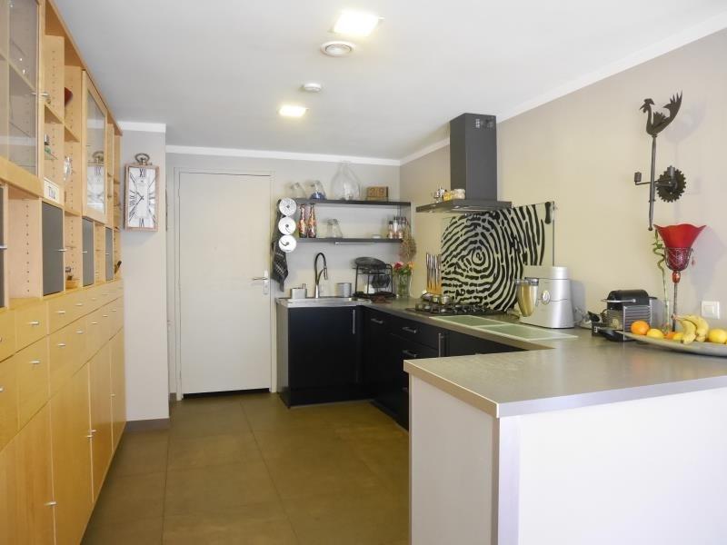 Deluxe sale house / villa Rousset 640000€ - Picture 3