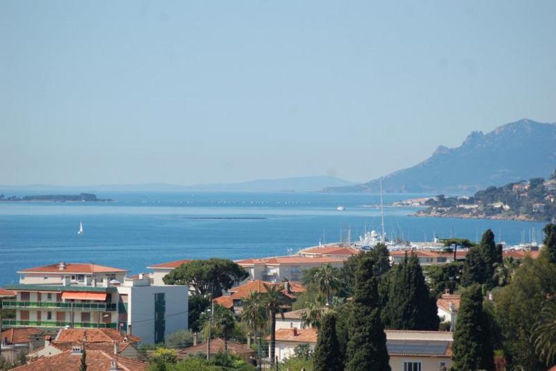 Vente de prestige maison / villa Antibes 1696000€ - Photo 1